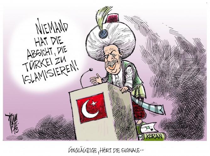 """Unruhen in der Türkei: Die jüngere Generation der Türken ist der Meinung Erdogan will die Türkei islamieren. Zitat Erdogan: """" Die Demokratie ist nur der Zug, auf den wir aufsteigen, bis wir am Ziel sind. Die Moscheen sind unsere Kasernen, die Minarette unsere Bajonette, die Kuppeln unsere Helme und die Gläubigen unsere Soldaten."""