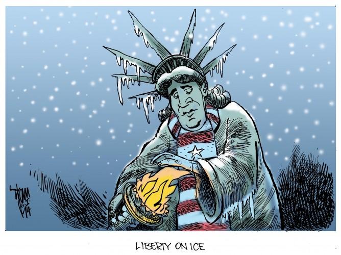 Extremwetter: Nordamerika im eisigen Griff polarer Luft.Stichwörter: Kältekatastrophe, USA, Liberty, Freiheitsstatue